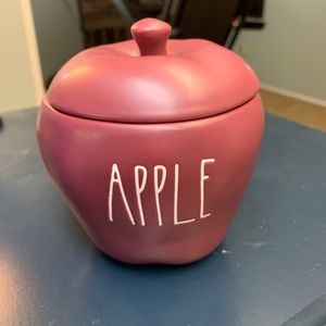 Rae Dunn Apple red candle new